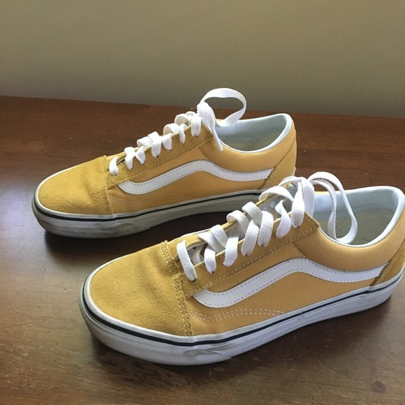 a845b00d2c9167 Old School Vans Ochre Yellow Gold worn 4 times. M 5bb553ca9519968ac6a7017d